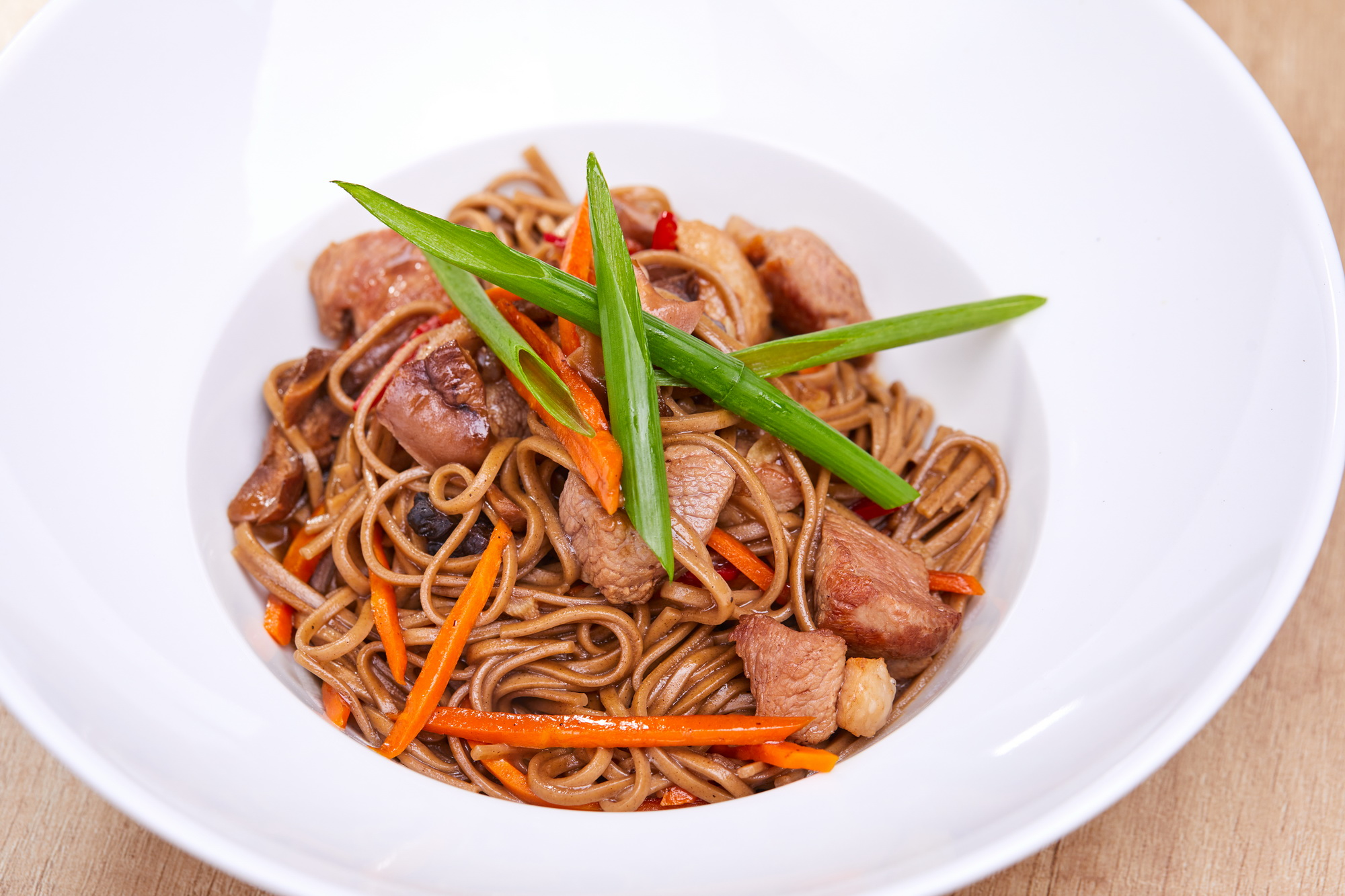 Soba with vegetables duck